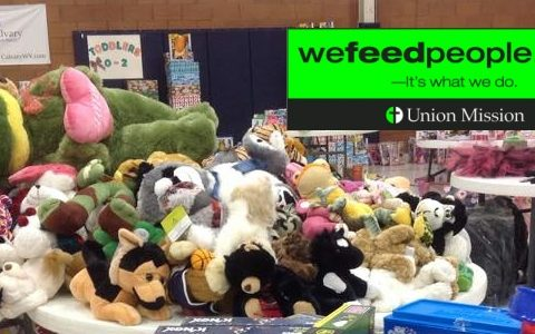 Volunteer for the Union Mission Toy Shoppe